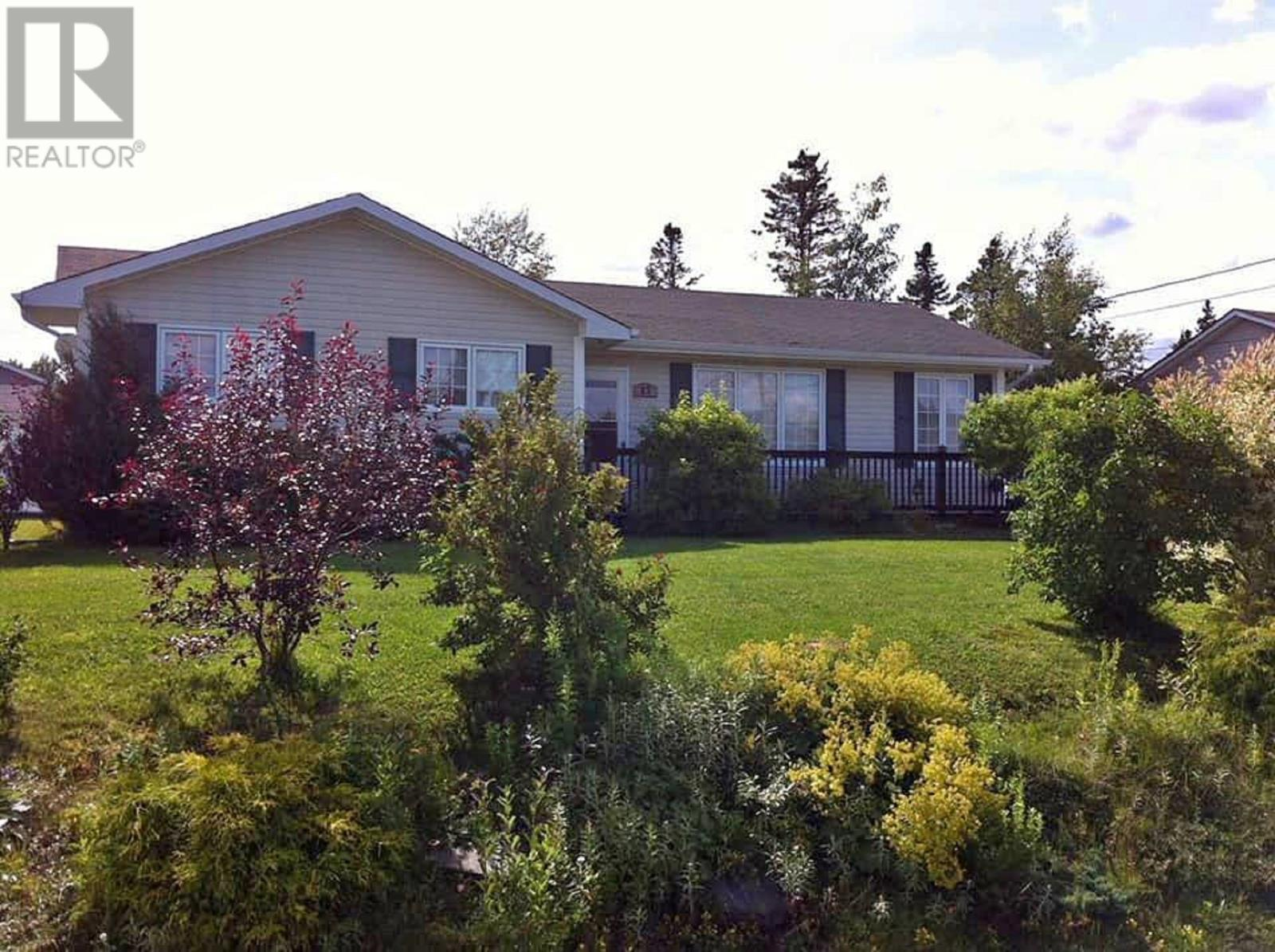 17 Clearview Crescent